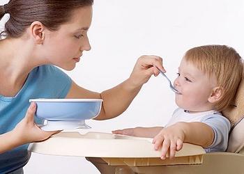 Правила введения первого прикорма при грудном вскармливании