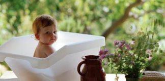 купание новорожденного в череде