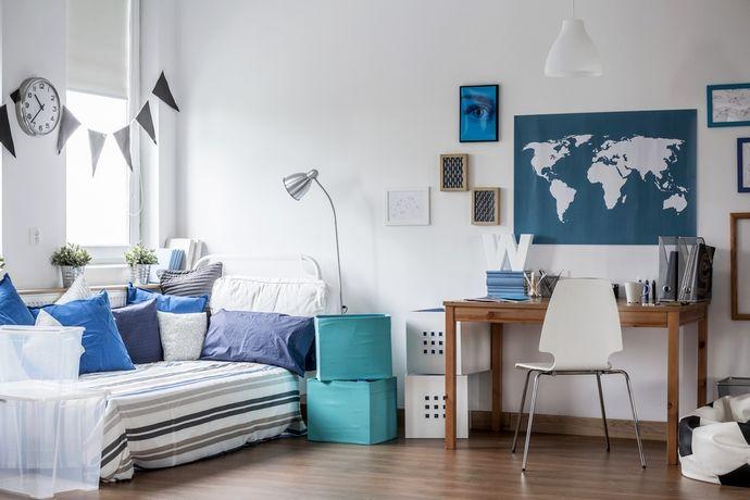 карта мира в детской комнате для двух мальчиков