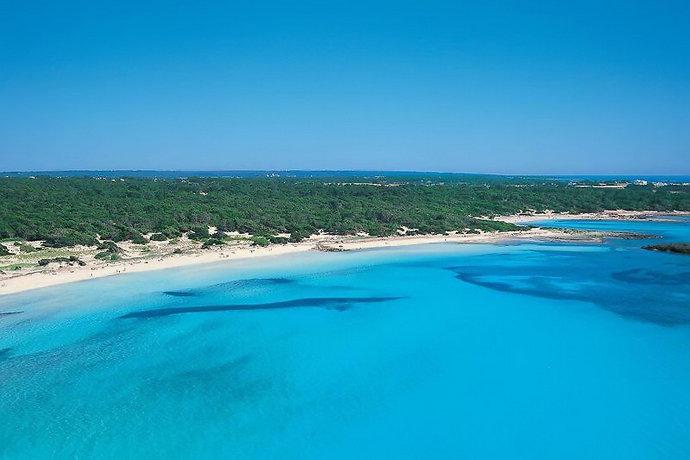 пляж эс тренк майорка с белым песком