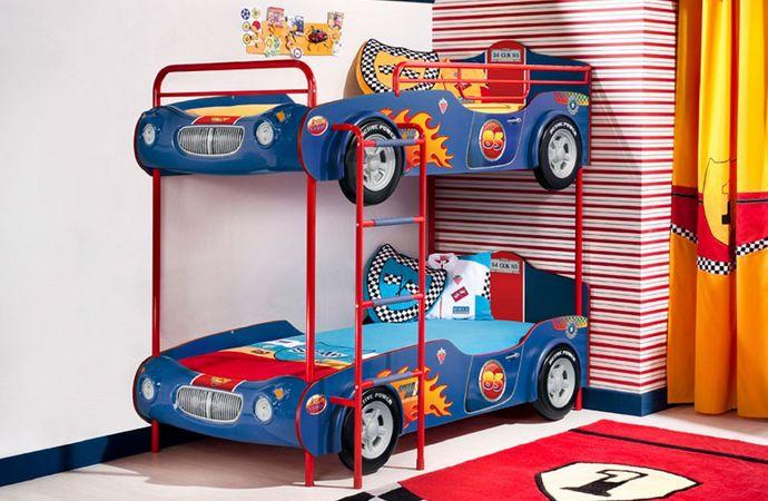 интерьер маленькой детской комнаты для двух мальчиков