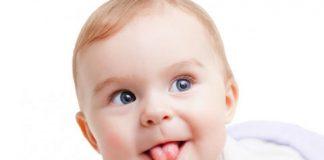почему грудничок высовывает язык