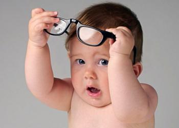 Как проверить зрение у новорожденного