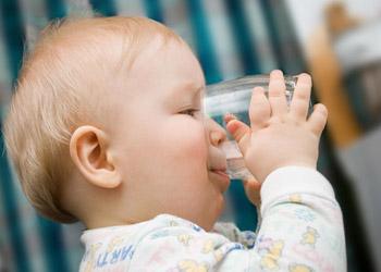чем лучше сбить температуру у ребенка