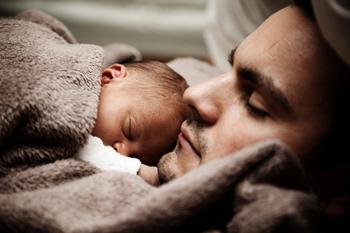 Сон ребенка в 2 месяца крепкий