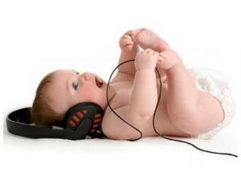Слух у новорожденного ребенка