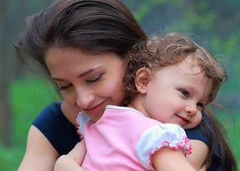 мамина любовь и ласка - лучшие успокоительные для ребенка
